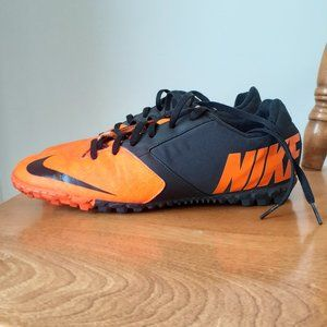 Nike Bomba II-Orange/Black 10.5 Indoor Soccer